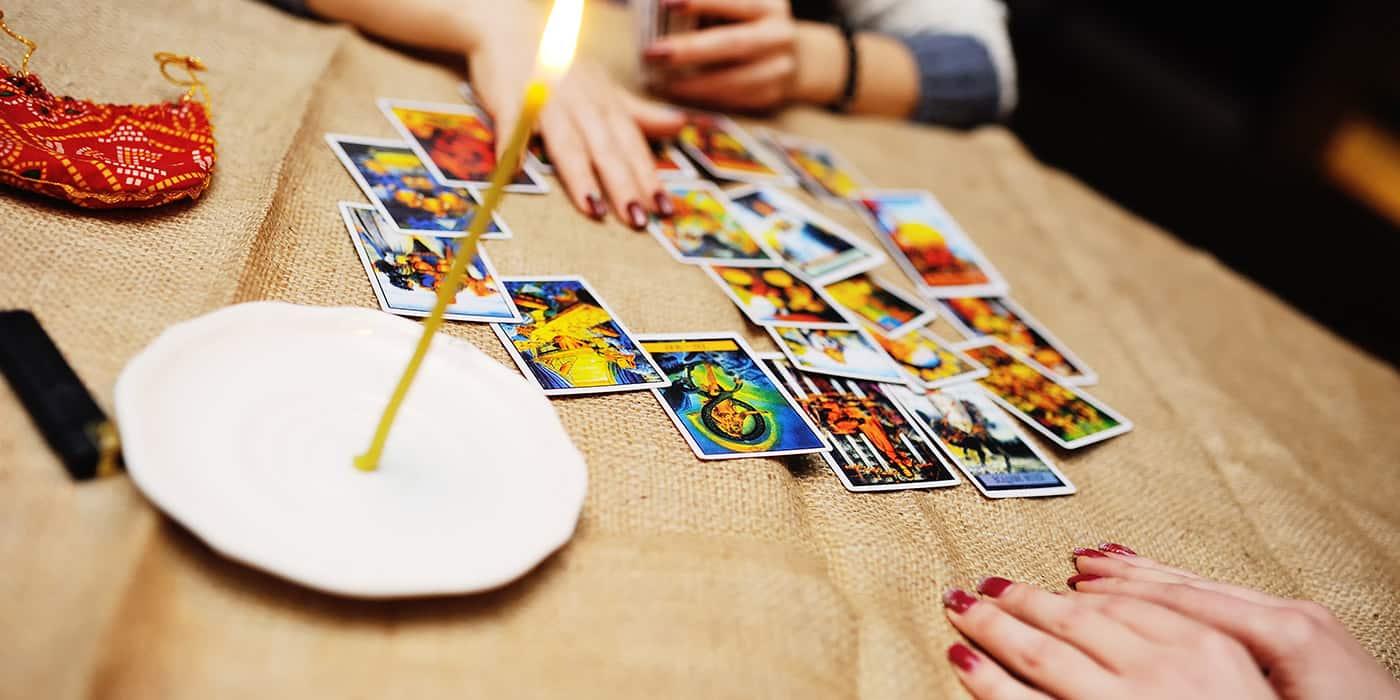 Tumačenje tarot karata kroz vidovitost